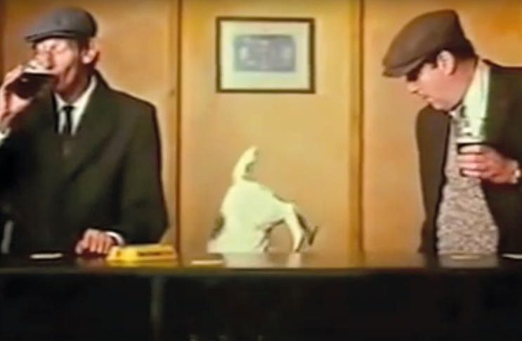 Funny Advert - John Smith's Bitter - Acrobatic Dog 1981 1980s